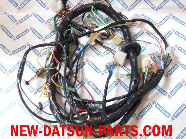 re02ba datsun roadster, datsun fairlady,electrical, datsun 1600, datsun 2000 datsun 510 wiring harness at bayanpartner.co